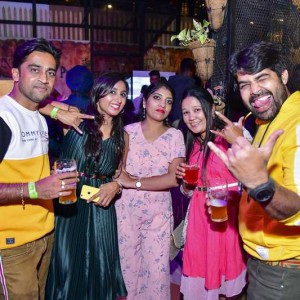 New Year Eve Party Photos - Wild, Fun, Glam Image 20