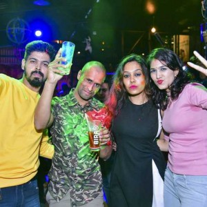 New Year Eve Party Photos - Wild, Fun, Glam Image 39